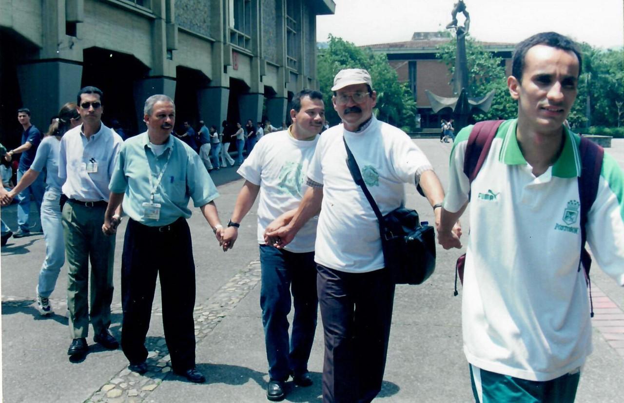 Imágenes vía Asociación de Profesores de la Universidad de Antioquia (Asoprudea)