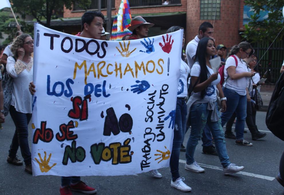Cinco mil voces se unieron en Medellín para exigir la paz
