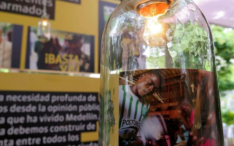 """""""Medellín: Memorias de una guerra urbana"""". Un informe de ciudad para leer y analizar"""