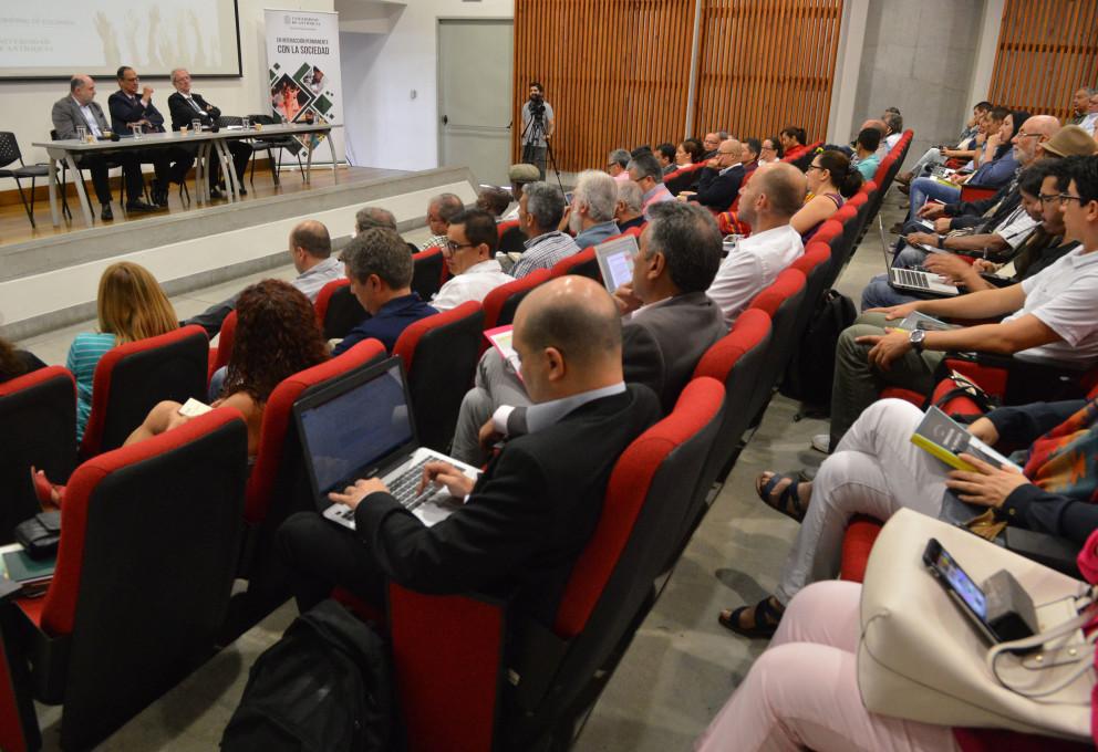 La mesa de conversaciones de Quito se alista para la participación de la sociedad civil